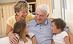 Канада отменяет лотерейную систему спонсирования родителей, бабушек и дедушек