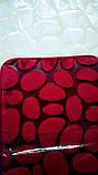 Плюшевый коврик «Галька» бордовый 40×60 см, фото 3