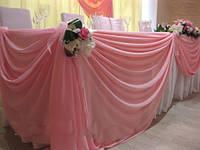 Украшение зала цветами, драпировка тканями