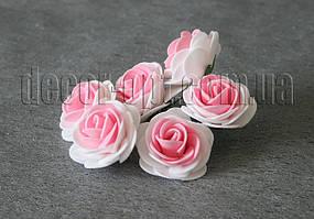 Букет бело-розовых розочек из латекса 4 см