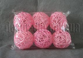 Шарик розовый из ротанга 10 см