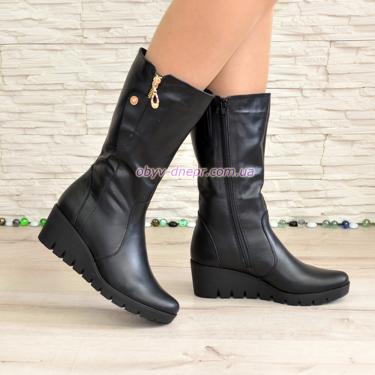 Женские зимние ботинки на невысокой платформе, натуральная черная кожа