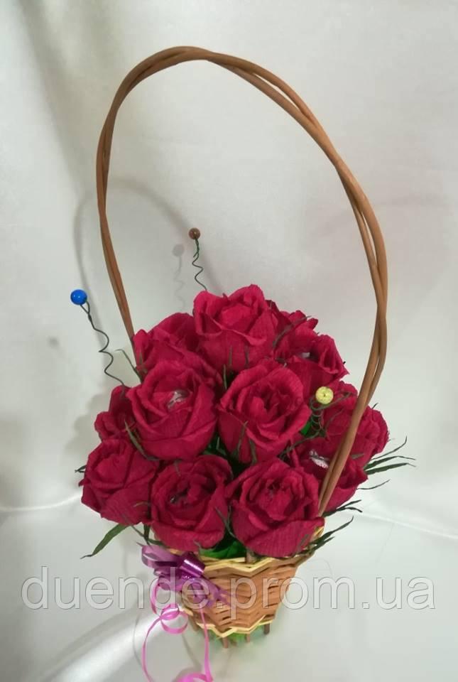 Букет из конфет Розы в корзине