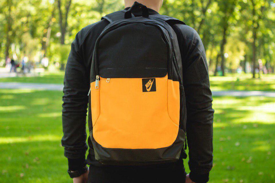 Рюкзак в стиле Nike оранжево-черный