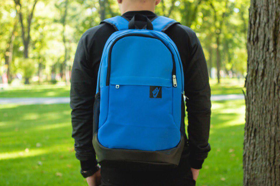Рюкзак в стиле Nike синьо-черный