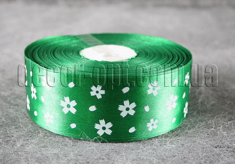 Лента атласная зеленая с цветами 4 см 50 м