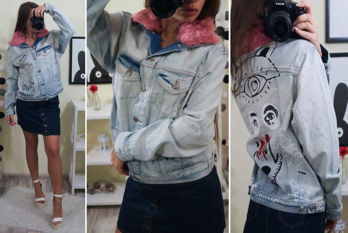 Женская джинсовая куртка с воротником из розового меха и арт рисунком на спине, фото 2