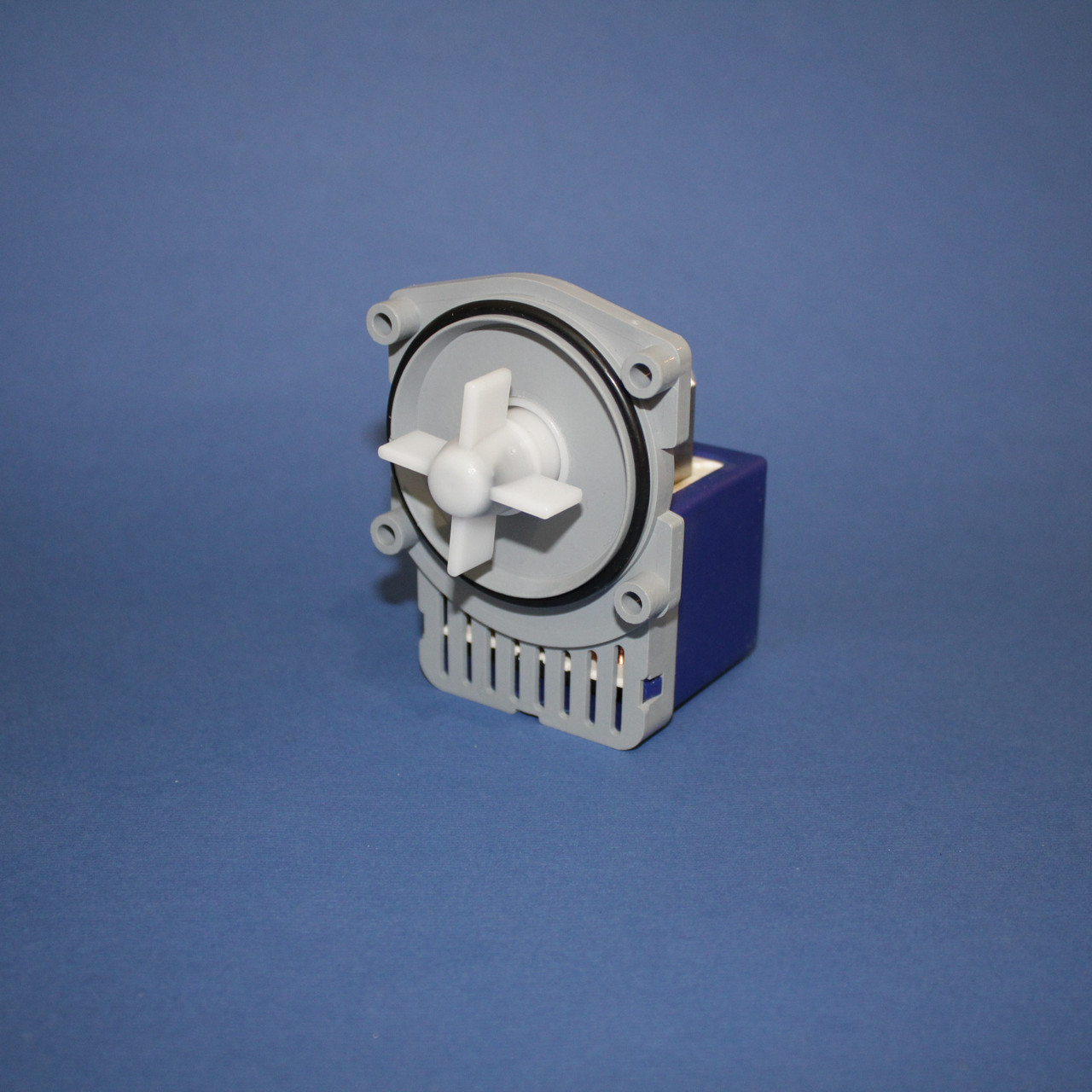 Насос для стиральной машины Bosch (на 4 самореза)