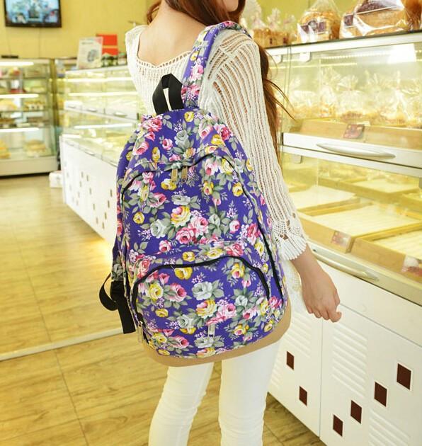 Рюкзак сумка в цветочках розы синего цвета