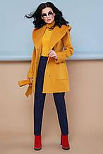 Демісезонне приталене жіноче шерстяне пальто з пояском та капюшоном