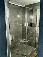 Раздвижная стеклянная перегородка в душ
