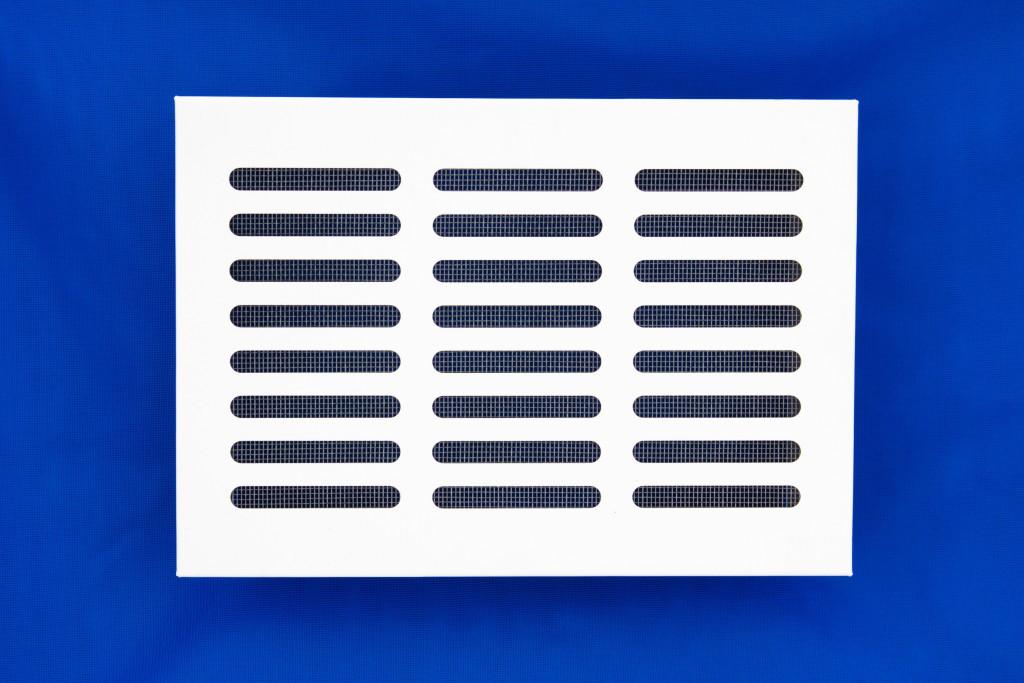 Решетка вентиляционная 17х24 белая