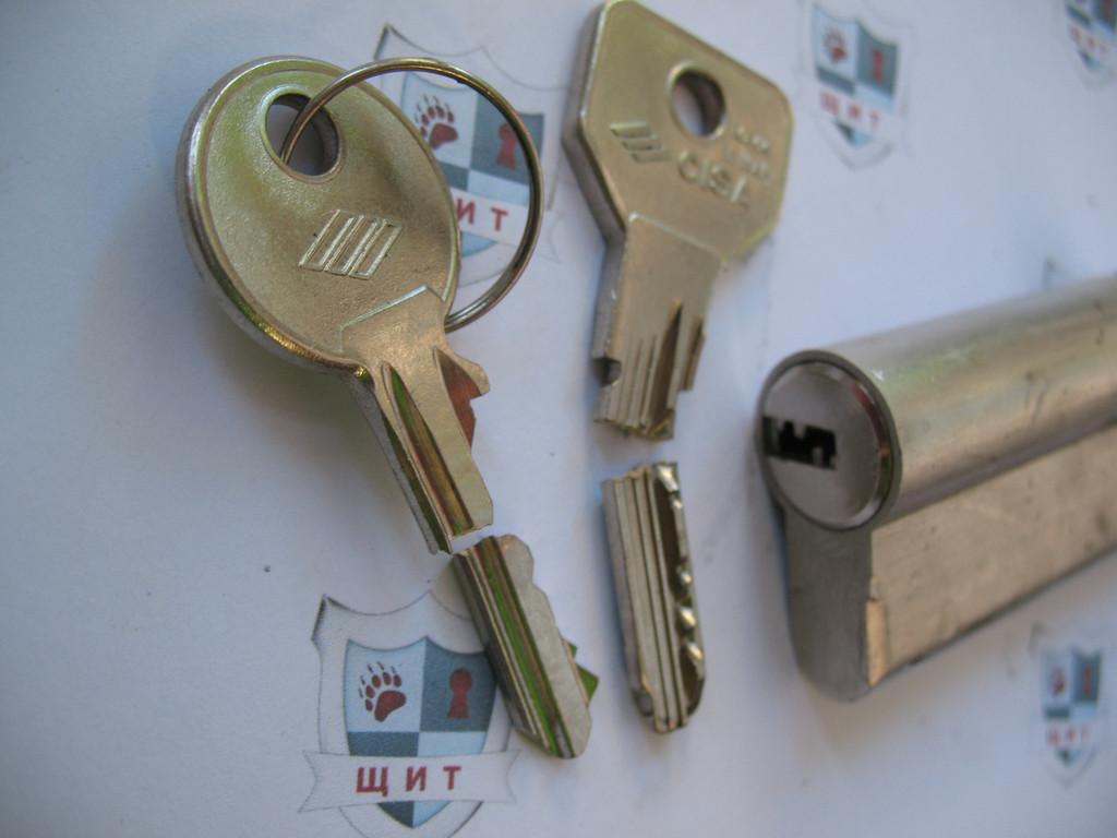 Вскрытие дверей. Открыть если сломался ключ