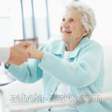Сиделка – лучший выбор при уходе за больным.