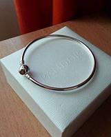Браслет Pandora Пандора жесткий серебряное украшение на руку в стиле Pandora в подарочном футляре