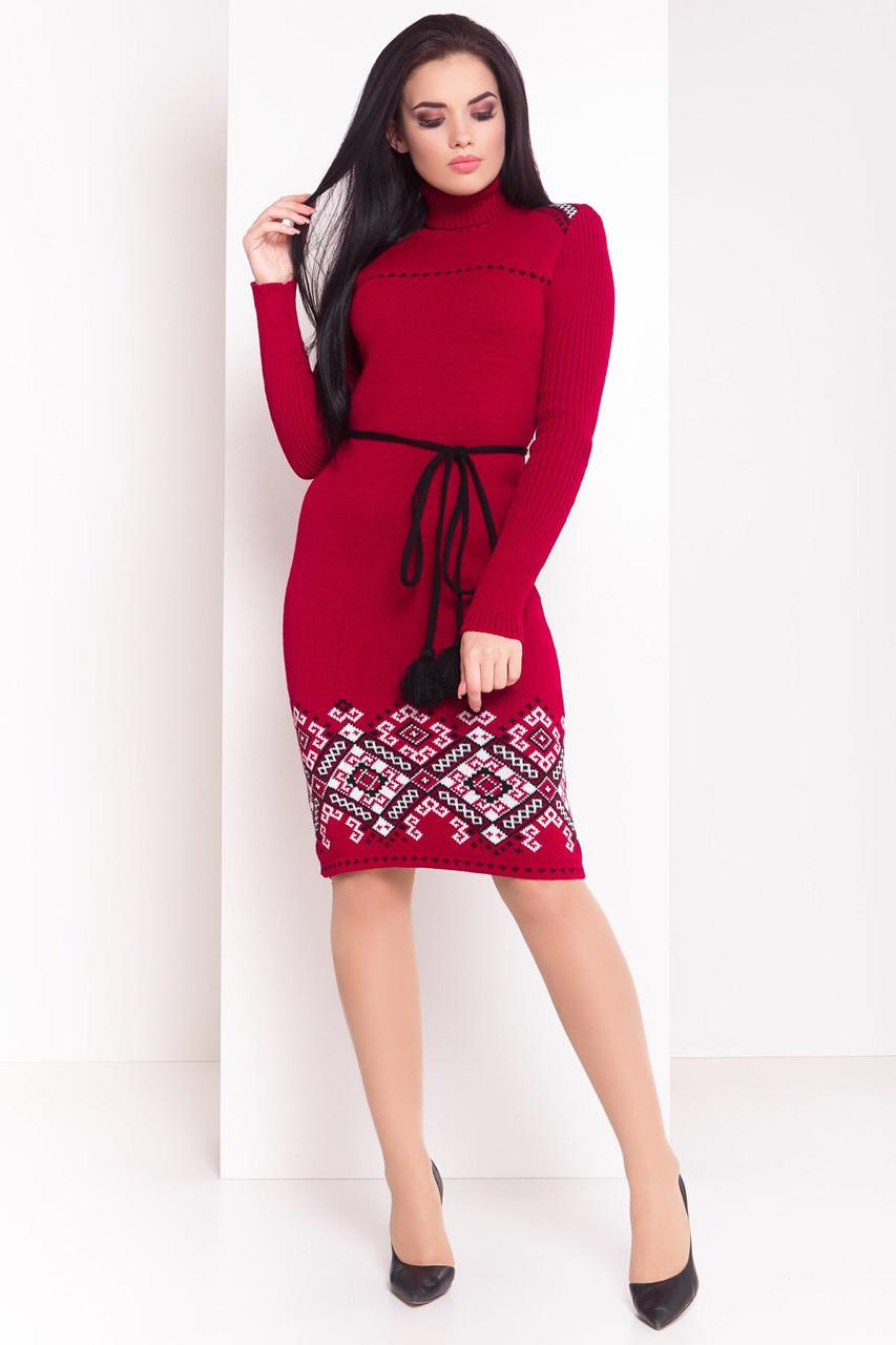 Теплое вязаное платье-вышиванка в народном стиле