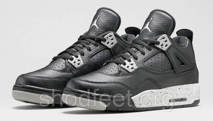 Жіночі баскетбольні кросівки Air Jordan Retro 4 Oreo