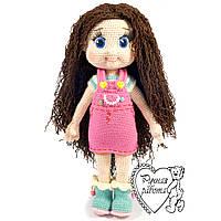 Лялька в рожевому комбінезоні, середня