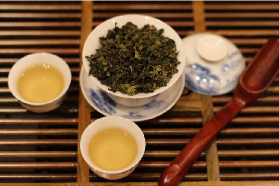 Способ заваривания чая улун золотая корица