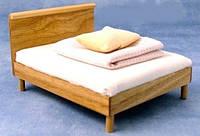 Дерев'яне ліжечко для ляльки