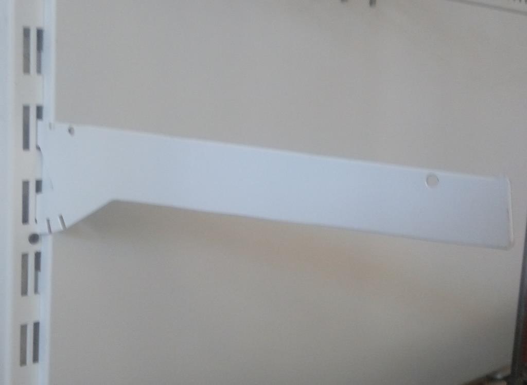 Кронштейн універсальний для металевої полки в стелажах