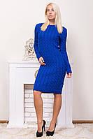 Теплое вязаное платье с круглой горловиной электрик