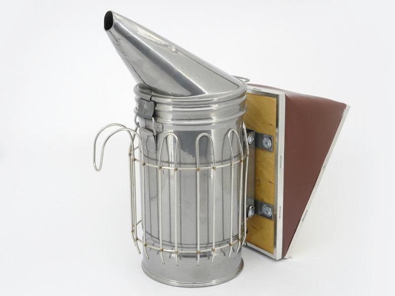 Дымарь пасечный со съемным мехом с ограждением окрашенный порошковой краской