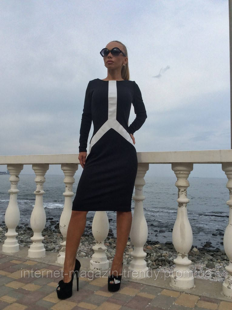 Платье средней длины с перфорированными вставками из экокожи  514