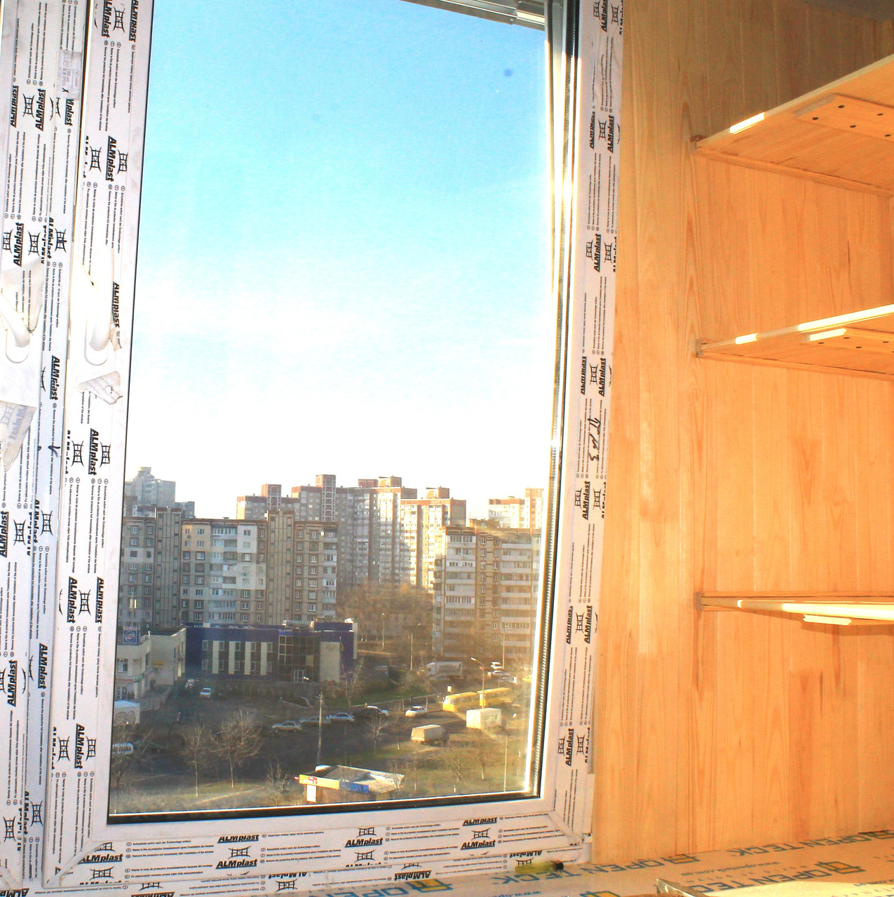 Остекление балкона. пластиковые окна на балкон.