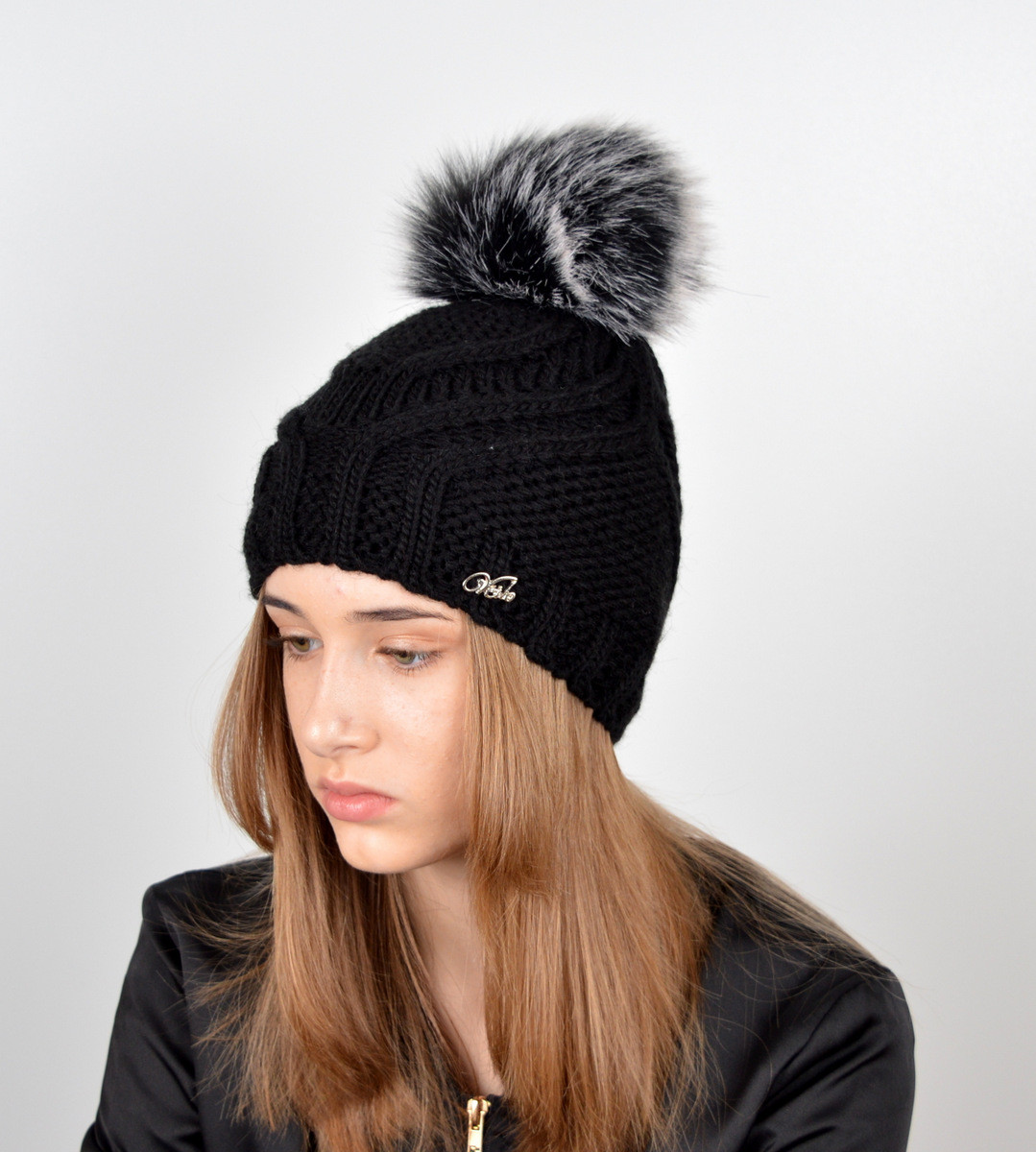 """Вязаная женская шапка """"Tina"""" с меховым помпоном"""