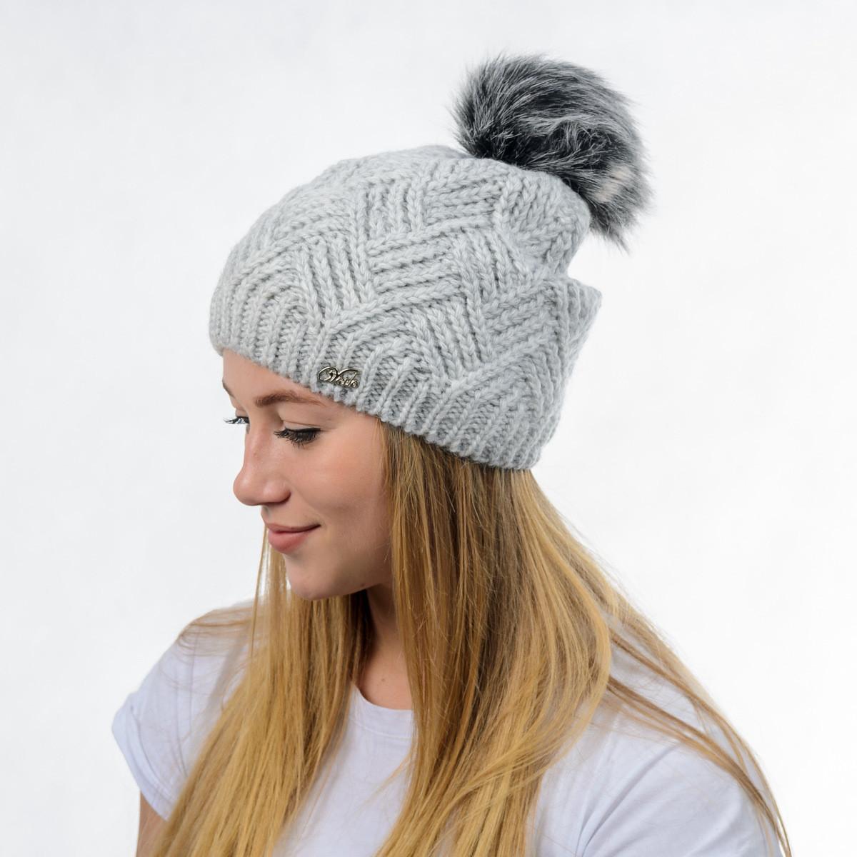 """Вязаная женская шапка """"Ester"""" с меховым помпоном"""