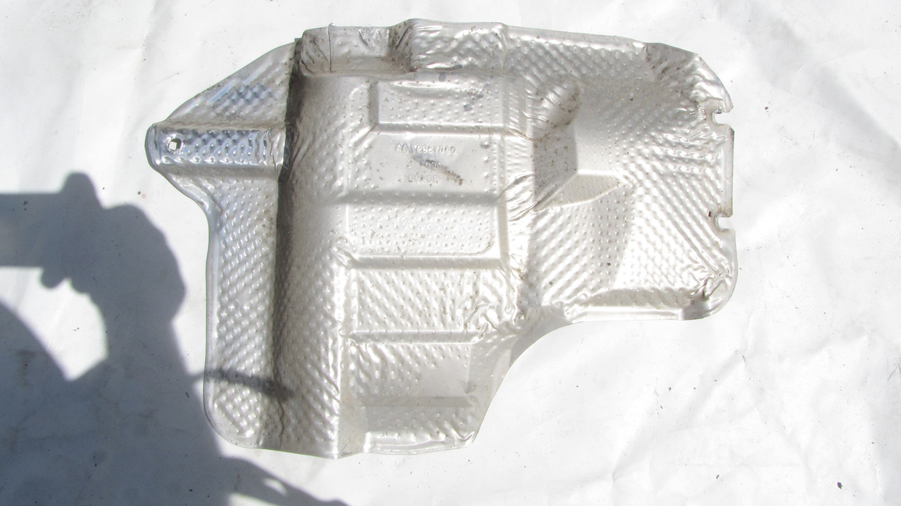 Экран тепловой для Dodge Caliber 2006-2011 04673697AA