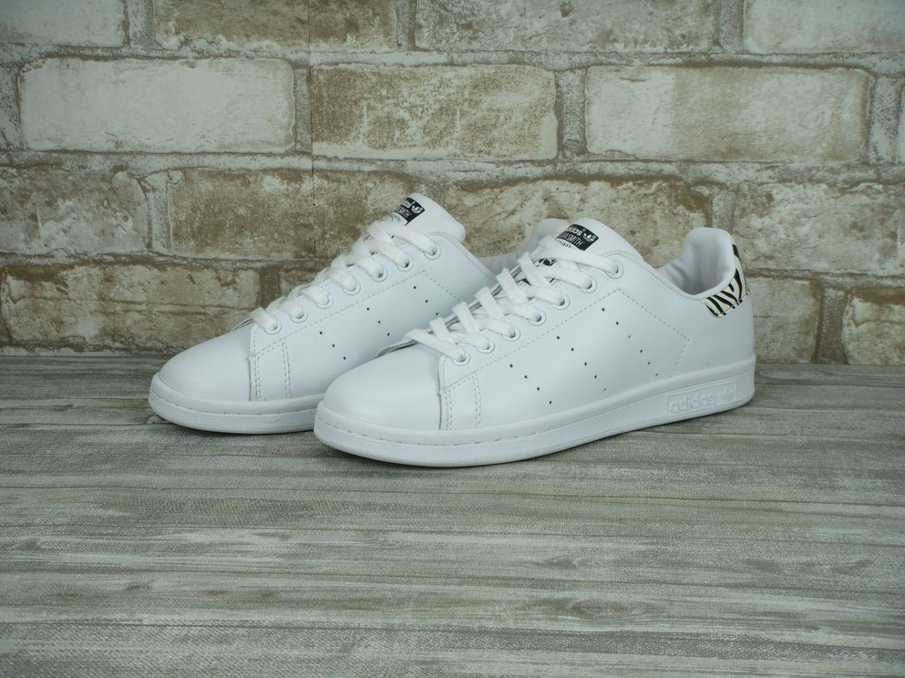 Кроссовки женские Adidas Stan Smith 30700 белые