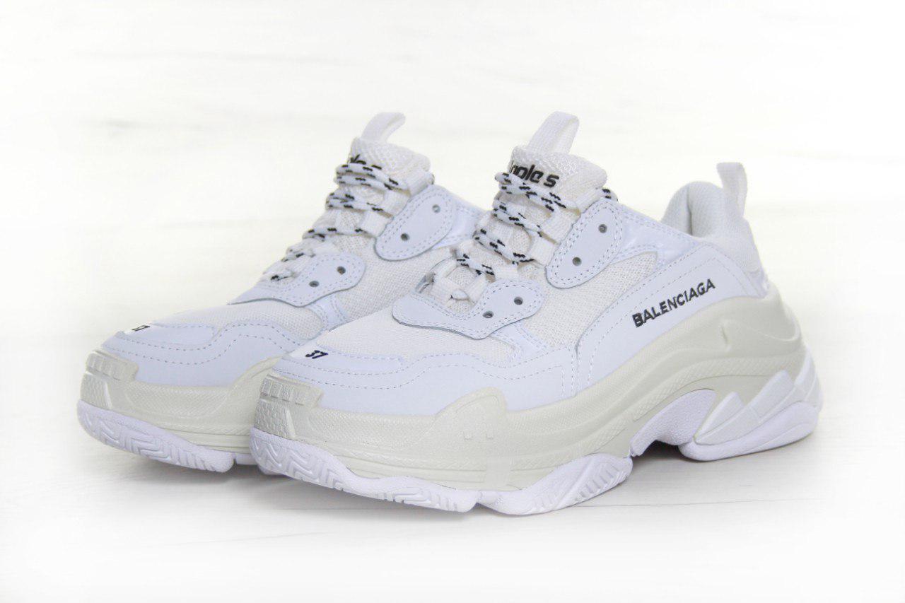 Кроссовки женские Balenciaga Triple S 30768 белые