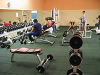 Напольная резиновая плитка для спорткомплексов