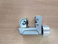 Труборез E-319 1/8- 3/4 (3,2-19mm) маленький