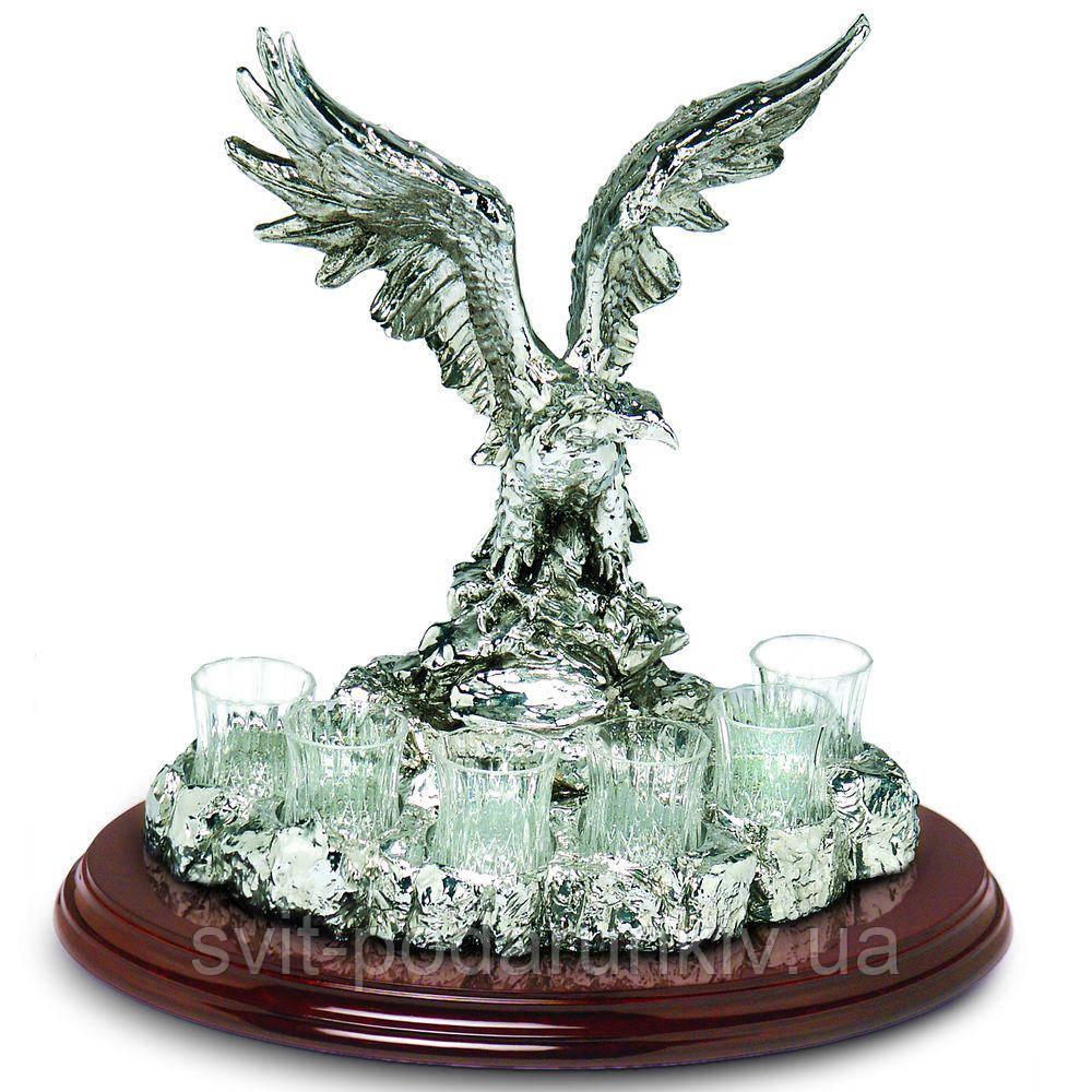 Набор для водки на 6 рюмок с декором в виде статуэтки орла Chinelli