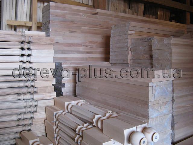 Лестницы деревянные комплектующие