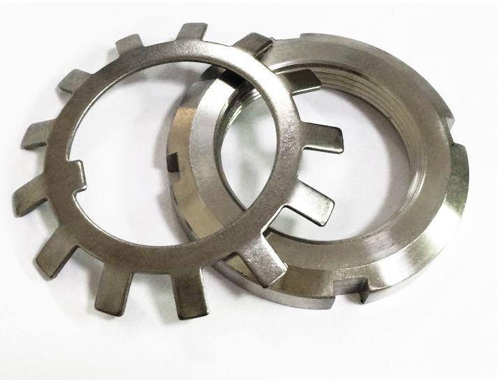 Гайка М75 (КМ 15) стальная круглая шлицевая DIN 981