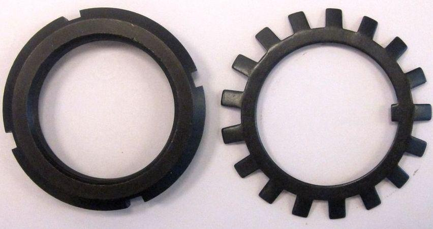Гайка М160 (32 КМ) кругла сталева шлицевая DIN 981