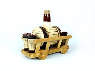 Бочонок для спиртного на деревянной телеге