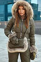 Комбинезон женский из высококачественной плащевки, в комплекте варежки и сумка с мехом енота - Оливковый