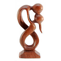 Фигурка резная из дерева Влюбленные