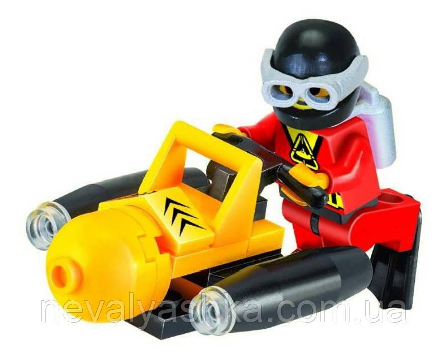 Конструктор Brick Enlighten Pigboat Подводный Катер Лодка, 59 дет., 1210 009228