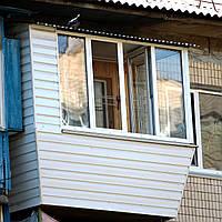 Ремонт балкона с крышей в Киеве