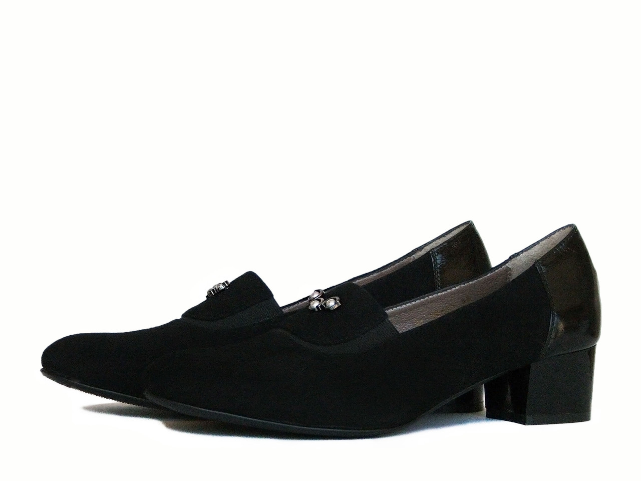 Черные замшевые туфли на устойчивом каблуке