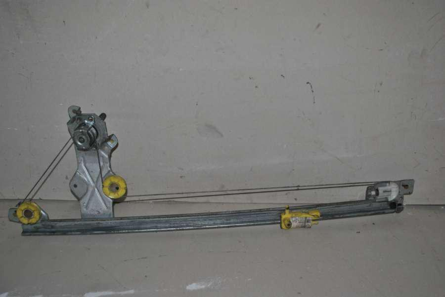 Стеклоподъемник правый механический Renault Trafic / Opel Vivaro / Nis