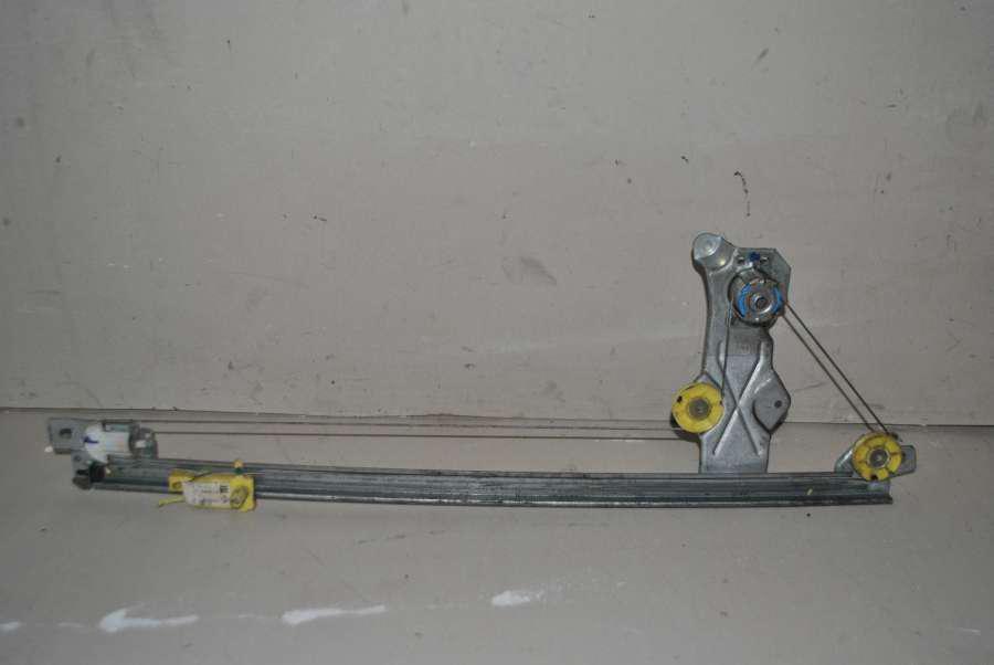 Стеклоподъемник левый механический Renault Trafic / Opel Vivaro / Niss