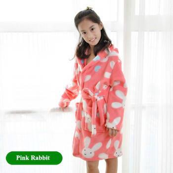 Детский халат из фланели. Розовый с зайчиками