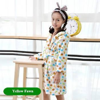 Детский халат из фланели. Белый с узорами